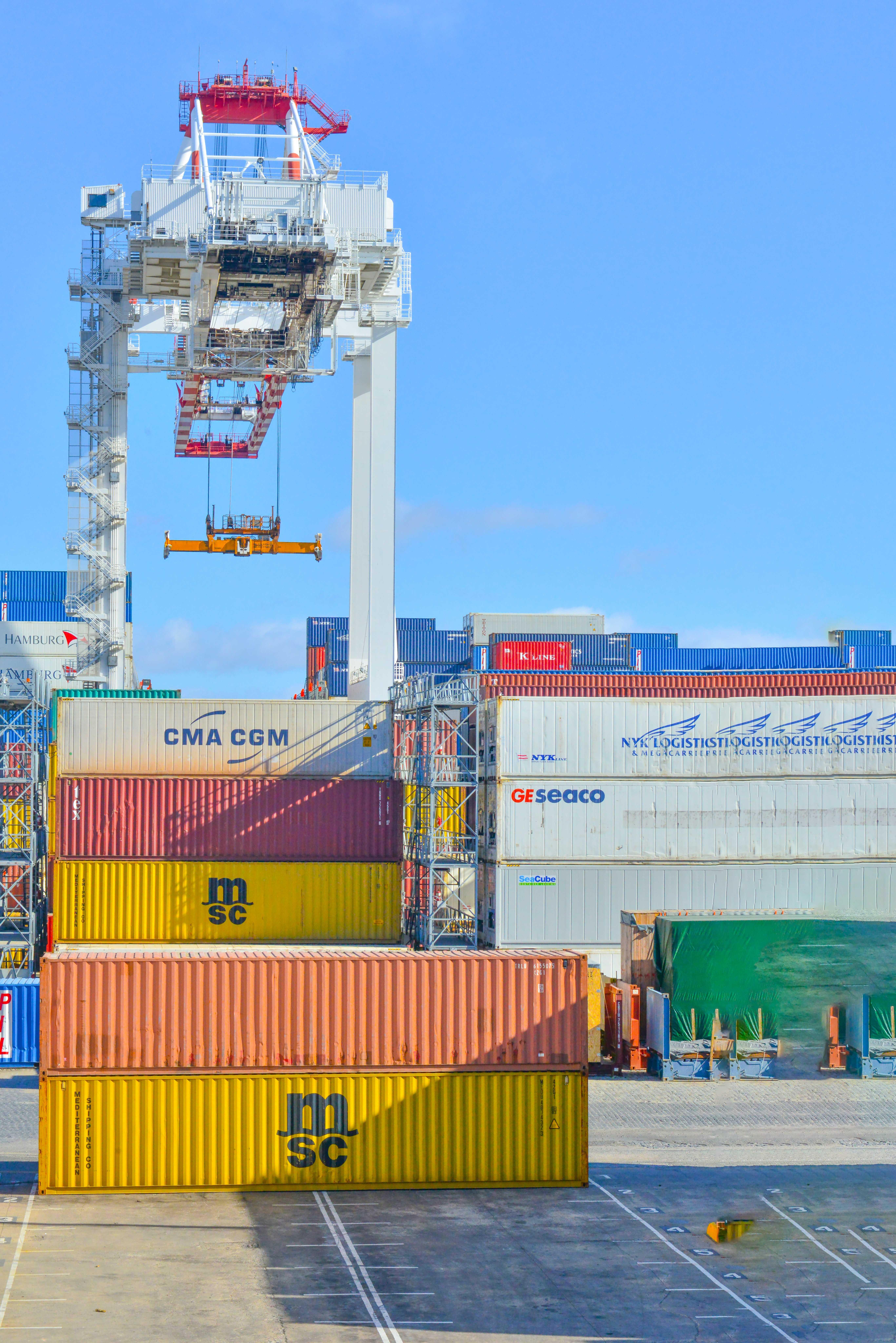 Sự khác nhau giữa vận chuyển hàng hóa và Logistics